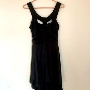 REVERSE LONG BACK BLACK DRESS SIZE M